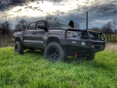 """2019 Toyota Tacoma - 16x8.5 -0mm - Black Rhino Bantam - Suspension Lift 2.5"""" - 255/85R16"""