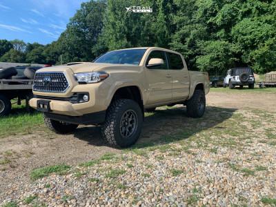 "2019 Toyota Tacoma - 17x9 -18mm - Fuel Tech - Suspension Lift 4"" - 33"" x 12.5"""