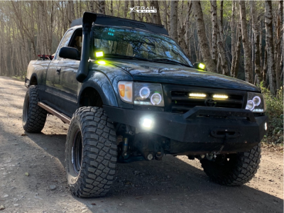 "1998 Toyota Tacoma - 15x8 10mm - American Racing Baja - Suspension Lift 3"" - 33"" x 12.5"""