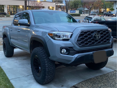 """2020 Toyota Tacoma - 17x9 -12mm - Fuel Vector - Leveling Kit - 33"""" x 12.5"""""""