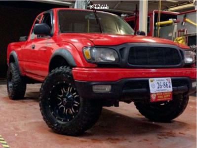"2001 Toyota Tacoma - 17x9 -12mm - TIS 535bm - Stock Suspension - 33"" x 12.5"""