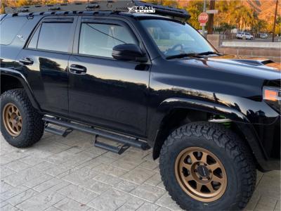 "2019 Toyota 4Runner - 17x8.5 0mm - Method Mr701 - Suspension Lift 3.5"" - 33"" x 12.5"""
