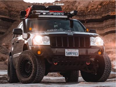 "2005 Jeep Grand Cherokee - 17x8.5 0mm - Method Vex - Suspension Lift 4"" - 33"" x 70"""