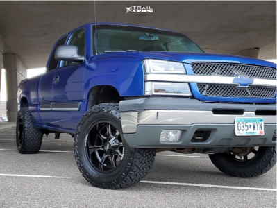 "2003 Chevrolet Silverado 1500 - 18x10 -24mm - Moto Metal MO970 - Leveling Kit - 33"" x 12.5"""