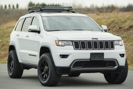 """2017 Jeep Grand Cherokee - 18x9 0mm - Helo He909 - Suspension Lift 2.5"""" - 285/60R18"""