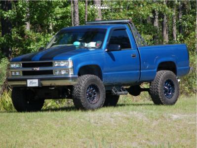"1997 Chevrolet K1500 - 17x9 -12mm - XD Grenade - Suspension Lift 6"" - 35"" x 12.5"""