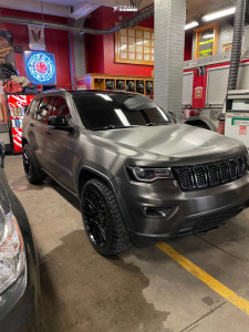 2017 Jeep Grand Cherokee - 22x10 35mm - Black Rhino Morocco - Stock Suspension - 275/45R22