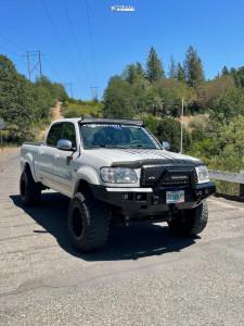 "2004 Toyota Tundra - 18x12 -44mm - Fuel Hostage - Suspension Lift 5"" - 35"" x 13.5"""