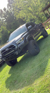 """2017 Toyota Tacoma - 17x9 -12mm - Fuel Lethal - Suspension Lift 2.5"""" - 33"""" x 70"""""""
