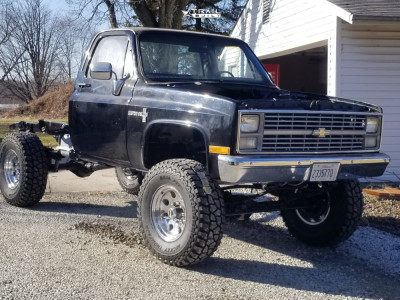"1984 Chevrolet K20 - 17x9.5 0mm - Pacer Aluminum - Suspension Lift 6"" - 37"" x 12.5"""