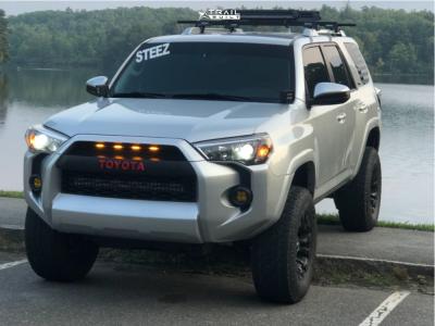 "2017 Toyota 4Runner - 17x9 -12mm - Fuel Vapor - Suspension Lift 3"" - 33"" x 12.5"""
