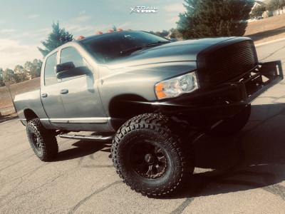 """2005 Dodge Ram 2500 - 17x9 -12mm - Helo He878 - Suspension Lift 5"""" - 40"""" x 13.5"""""""