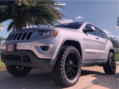 "2014 Jeep Grand Cherokee - 20x8.5 38mm - KMC Km651 - Suspension Lift 2.5"" - 33"" x 12.5"""