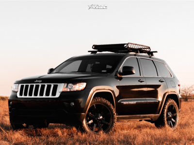 "2011 Jeep Grand Cherokee - 20x8.5 10mm - Kmc Slide - Suspension Lift 2.5"" - 275/55R20"