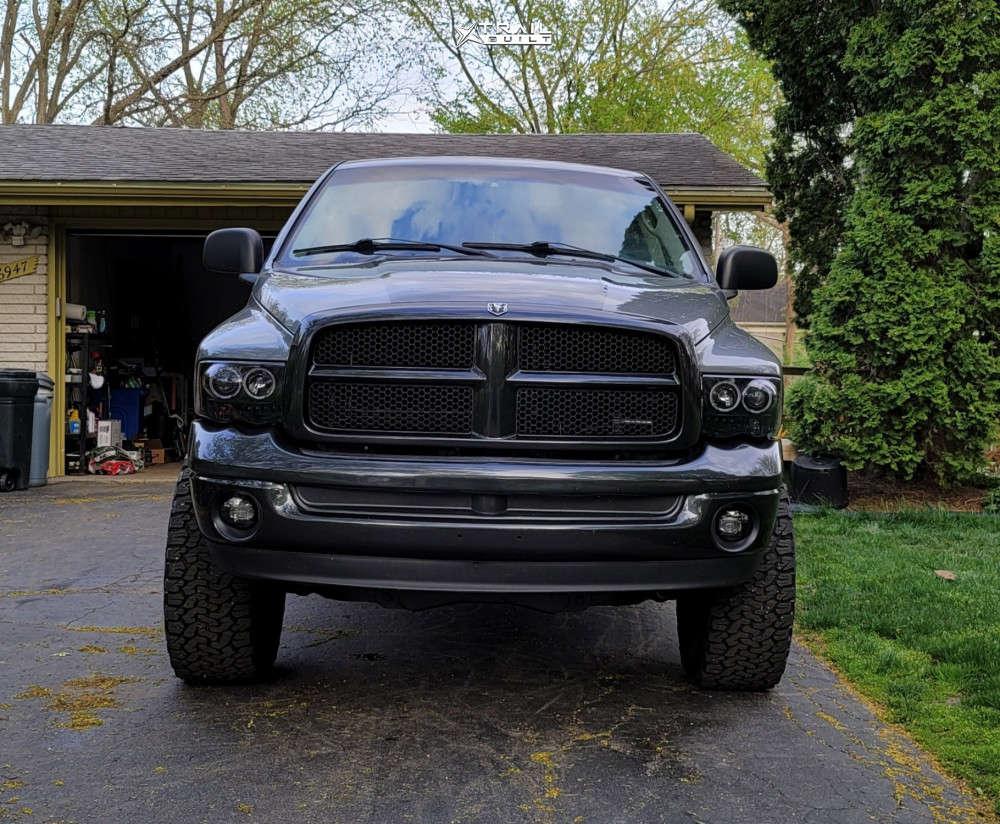 2 2005 Ram 1500 Dodge Skyjacker Suspension Lift 4in Fuel Sledge Machined Black