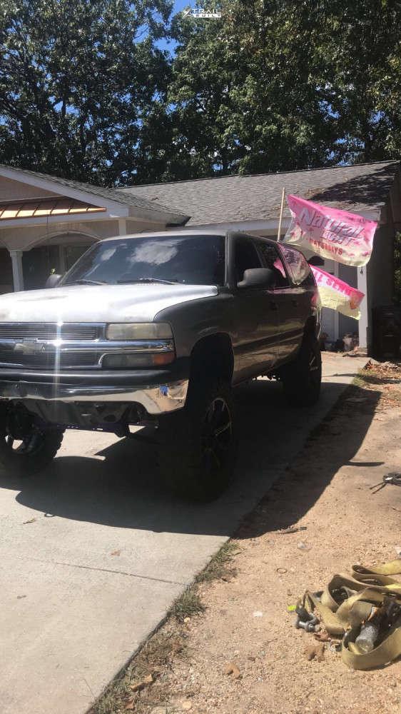 2 2002 Suburban 1500 Chevrolet Rough Country Suspension Lift 6in Kmc Slide Black