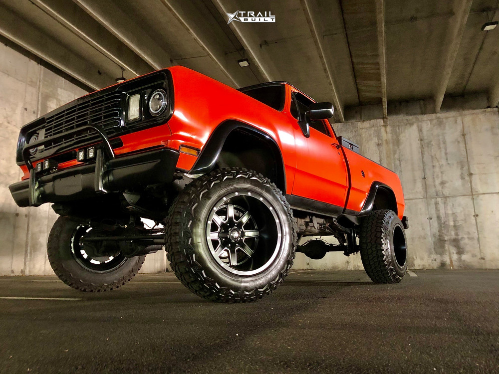 Lifted Dodge W200