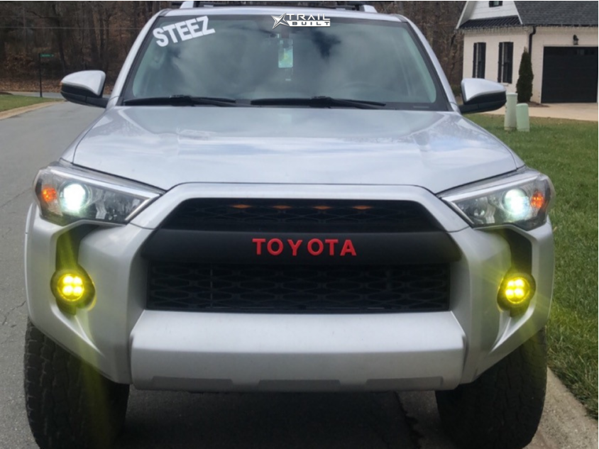 2 2017 4runner Toyota Rough Country Suspension Lift 3in Fuel Vapor Black