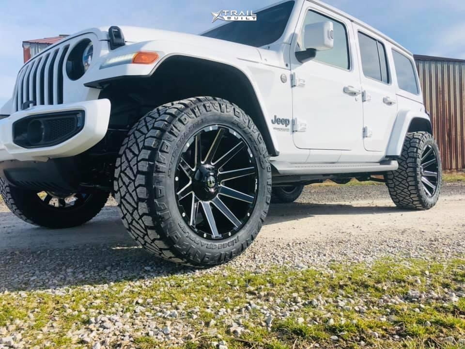 1 2021 Wrangler Jeep Unlimited Sahara Stock Air Suspension Fuel Contra Black