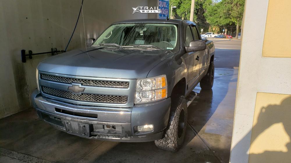 2 2011 Silverado 1500 Chevrolet Rough Country Suspension Lift 35in Fuel Maverick Black
