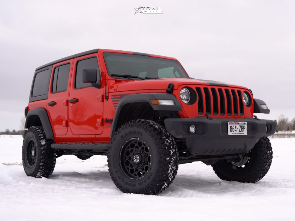 Jeep Wrangler Kanati Mud Hog Tires
